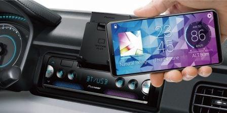 Pioneer sort un autoradio qui utilise l'iPhone comme afficheur 2