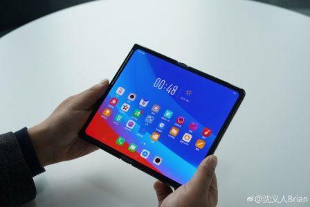 Oppo montre à son tour aussi des images de son smartphone pliable 3