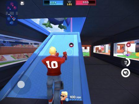 Tirs et combats d'arène acharnés dans le nouveau Frag Pro Shooter sorti sur iPhone, iPad 3