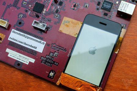 Un (énorme) prototype utilisé pour créer l'iPhone original se dévoile en photos pour la premiere fois 5