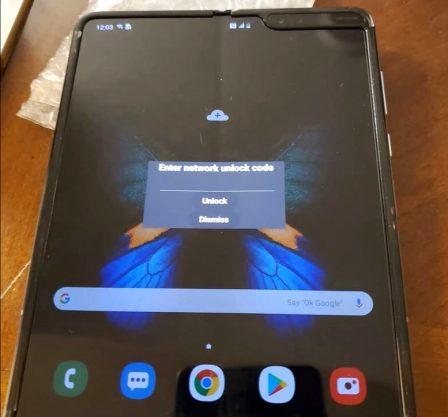 Smartphone pliable: première vidéo du Galaxy Fold en dehors de chez Samsung 2