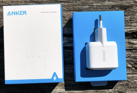 En promo coupon - Chargeur Anker Atom 1 : ultra compact et rapide compatible iPhone, iPad et Mac (photos) 3