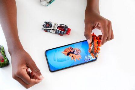"""Les tags NFC aussi utiles pour s'amuser chez Hot Wheels, avec le nouveau circuit """"Smart Track id"""" 3"""