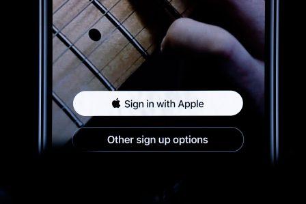 """Tout ce qu'il faut savoir sur le nouveau bouton """"Sign in with Apple"""" qui arrive avec iOS 13 4"""